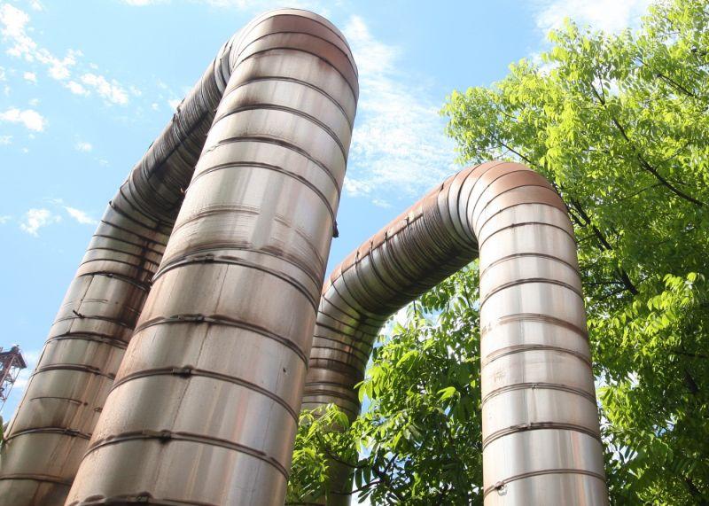 ▲中鋼公司與台灣中油公司簽訂合作備忘錄,將生產製程之自產燃氣回收廢熱產製蒸汽,透過鋼化聯產之跨產業合作模式,朝淨零碳排目標邁進。(資料照/記者黃守作攝)