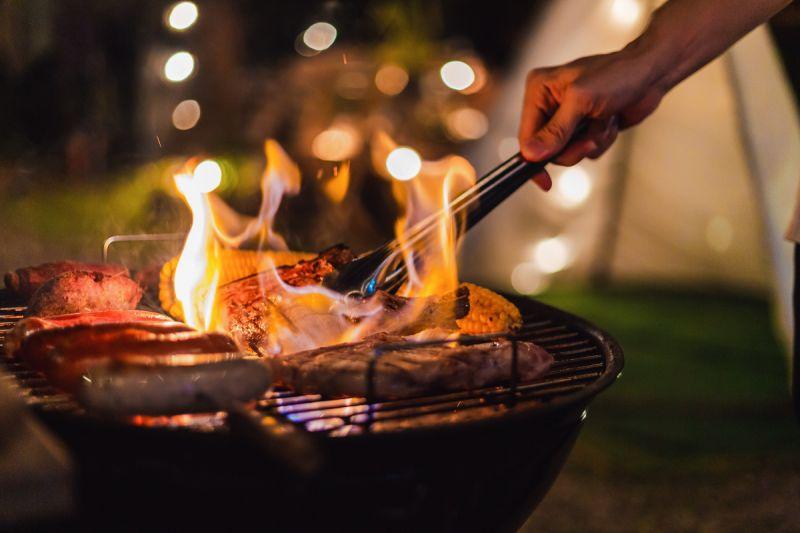 ▲今年因應疫情,居家烤肉需求上升。(圖/Shutterstock)