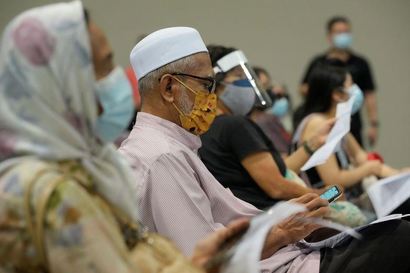 馬來西亞逾80%成人至少接種一劑 電影院獲准重啟