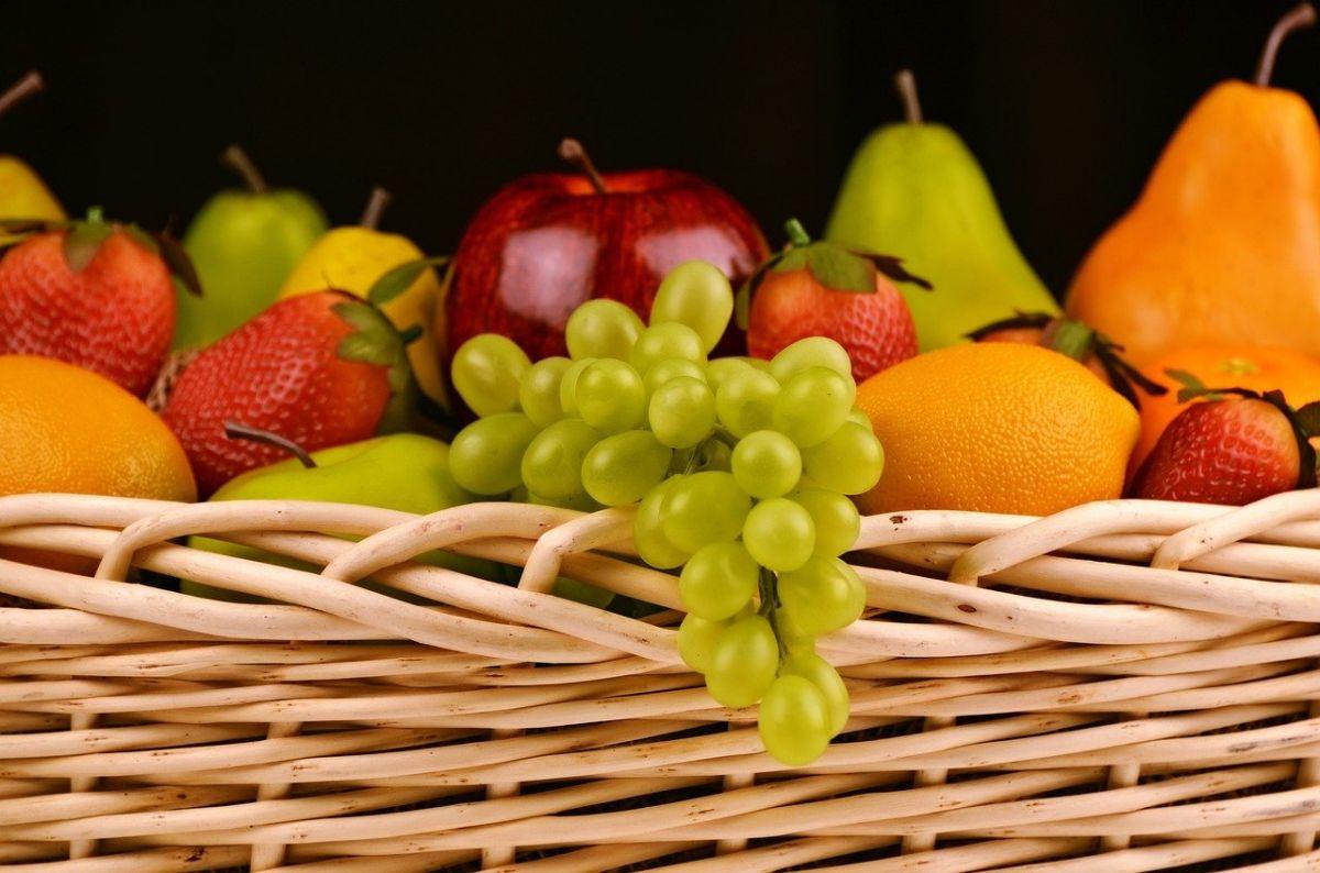 ▲台灣有水果王國之稱,街頭巷尾隨處可見水果行。但沒有現切現吃的話,水果的營養是不是就馬上流失了呢?專家解答了。(示意圖/翻攝自Pixabay)