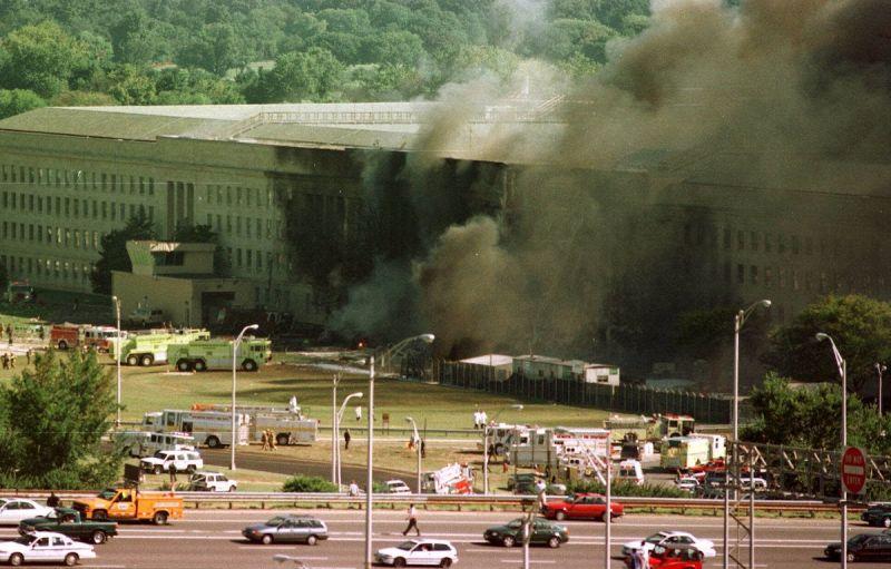 ▲美國國防部所在的五角大廈也在遭遇攻擊。(圖/美聯社/達志影像)