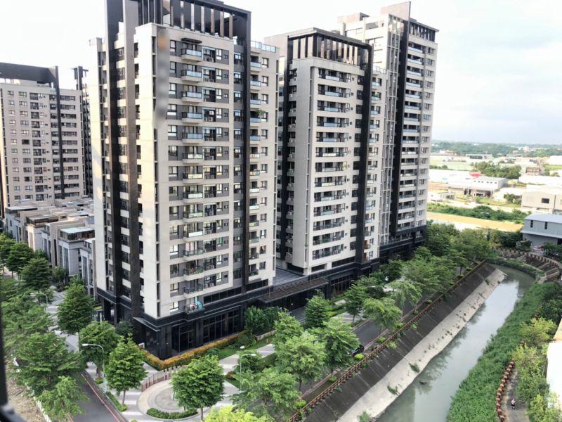 ▲華鳳特區以相對平價的新大樓,吸引小資買方買進。(圖/NOWnews資料照)
