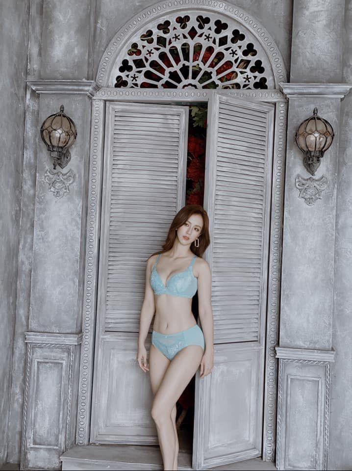 ▲▼周曉涵連續7年代言內衣品牌,有「美胸女神」封號。(圖/周曉涵臉書)