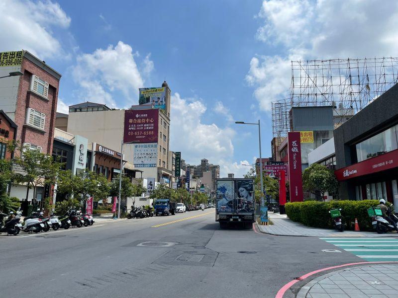 ▲竹北光明商圈有美食一條街,連鎖餐廳都座落在此。(圖/NOWnews資料照)
