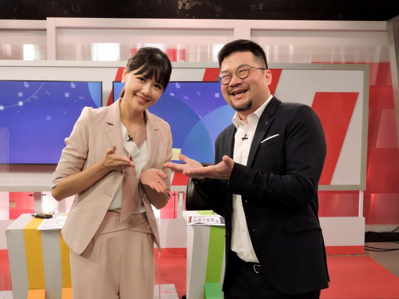 ▲廖慶學(左)、嚴立婷(右)日前首次合作錄影。(圖/東森提供)