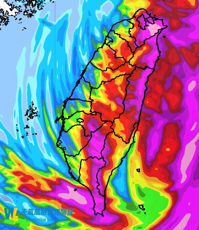 ▲彭啟明附上今天可能的降雨區域圖片,直言「上半天是東西兩樣情,中午過後北部會有感的風雨,要減少外出」。(圖/翻攝自氣象達人彭啟明臉書)