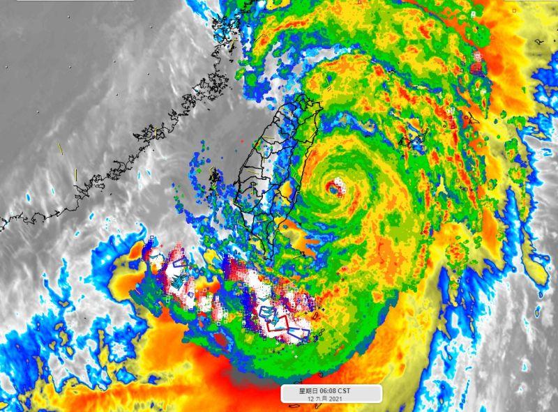 中颱「璨樹」螺旋雨帶還沒來!彭啟明:台北下午會有風雨