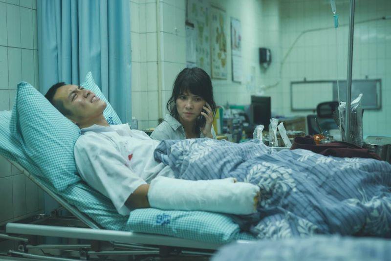 ▲柯震東(左)想英雄救美卻失敗。(圖/双喜電影提供)