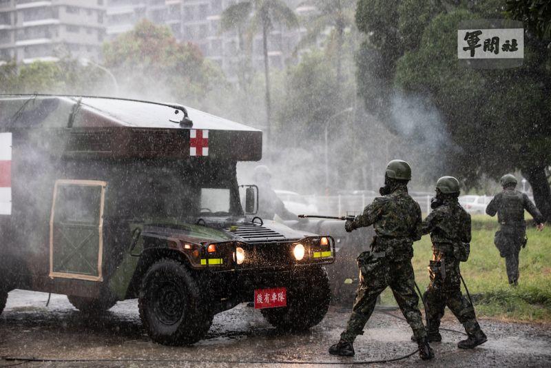 ▲漢光37號演習首日,國軍第4作戰區於臺南地區實施「生物疫病醫療演練」。(圖/軍聞社提供)