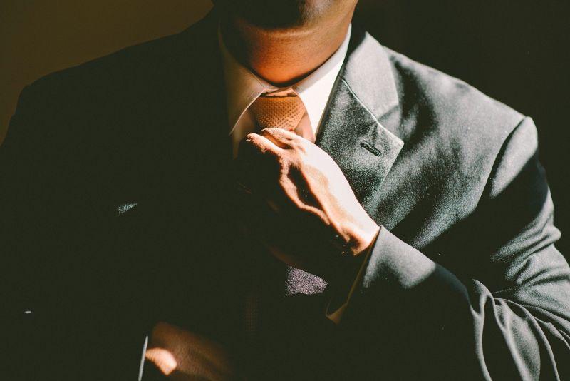▲原PO最近認識一位男生,但卻發現對方低報職稱。(示意圖,圖中人物與當事者無關/取自pixabay)
