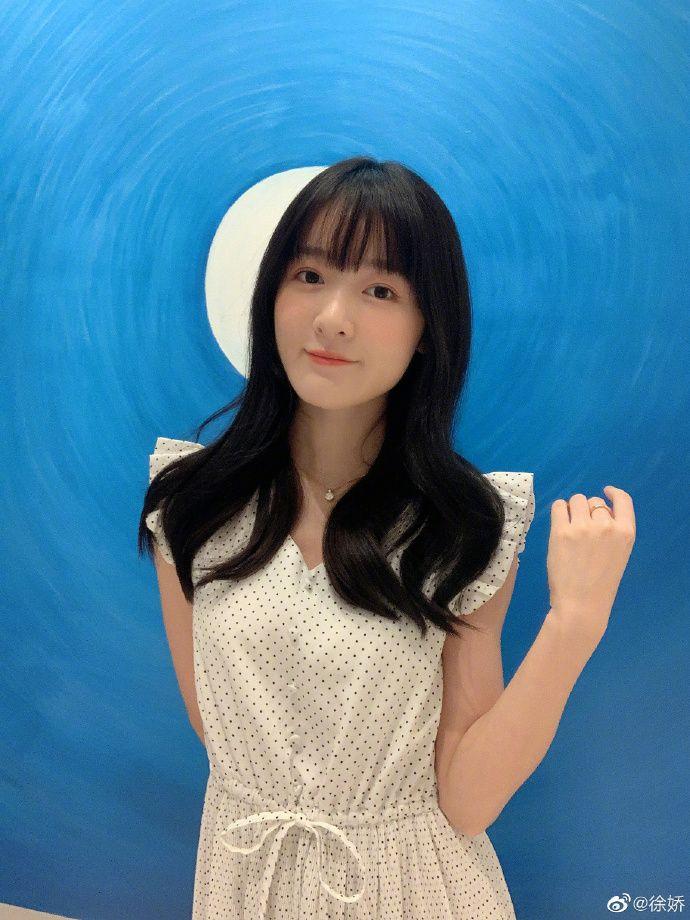 ▲徐嬌今年24歲,被網友稱讚越長越美。(圖/徐嬌微博)
