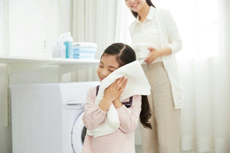 ▲洗衣前多4招,才能有效防止病毒殘留。(圖/信義居家提供)