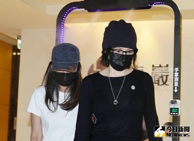 揪王力宏「聚餐連結」陷爭議 徐若瑄快閃龍劭華靈堂