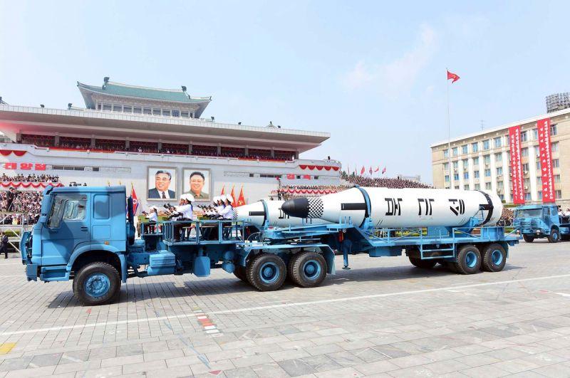 ▲北韓曾經在閱兵儀式中公開潛射飛彈,但尚未在潛艇上完成水下試射。(圖/美聯社/達志影像)