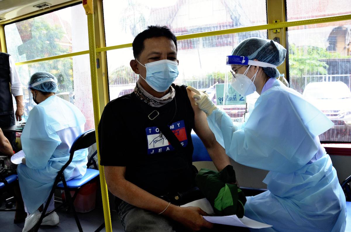 泰國擬鬆綁 已接種疫苗者11月入境曼谷免隔離