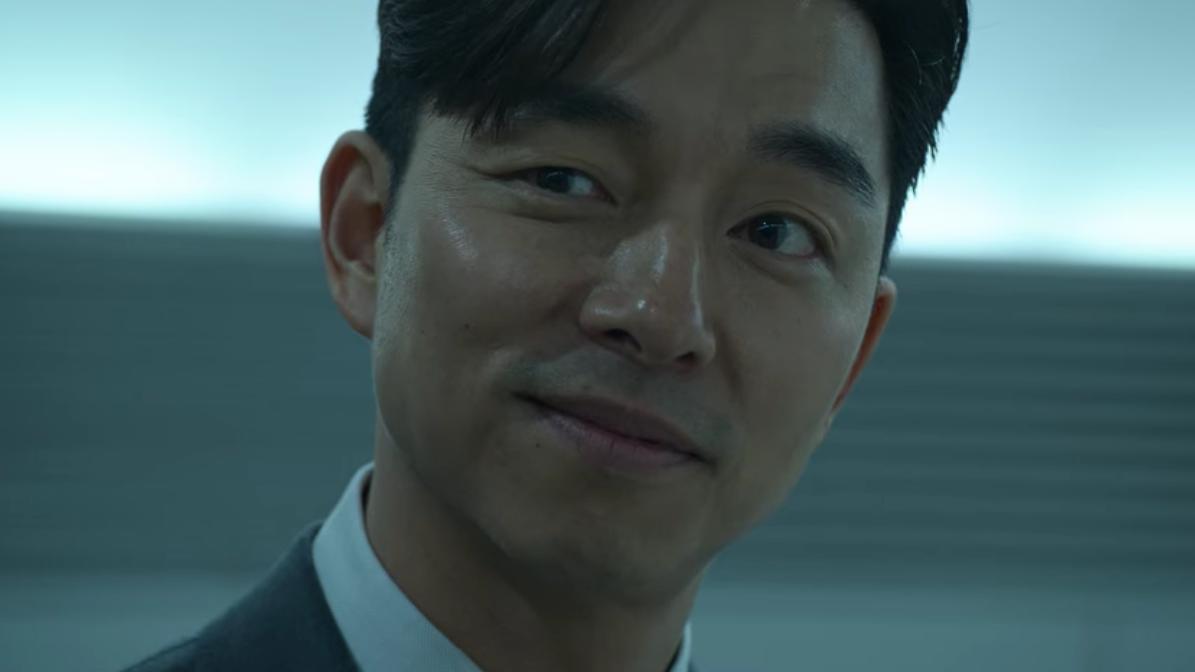 ▲孔劉劇中是引導玩家進入「魷魚遊戲」世界的關鍵人物。(圖/Netflix)