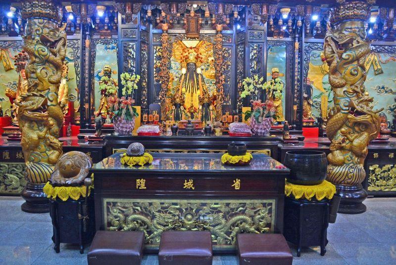 ▲台北城隍廟官網提供線上求籤,並附有籤詩詳解。(圖/翻攝自台北城隍廟臉書)