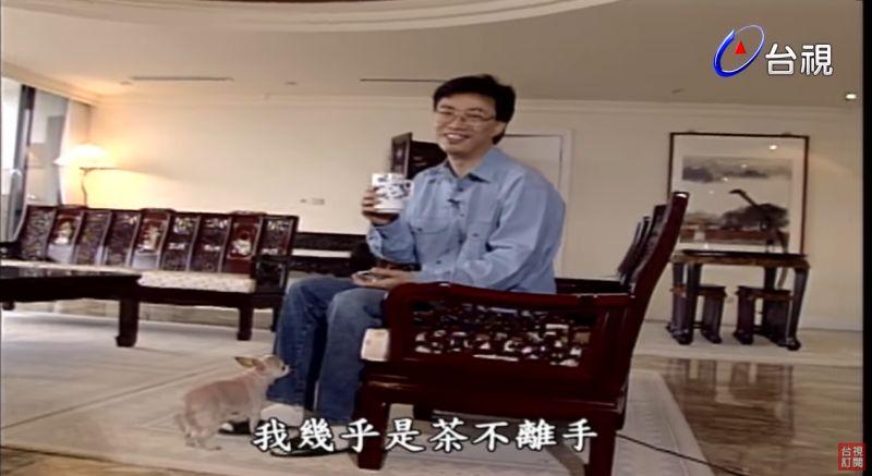 ▲費玉清愛泡茶。(圖/台視YouTube)