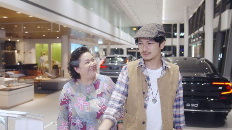 ▲鍾欣凌(左)、楊銘威再續前緣。(圖/國際富豪汽車提供)