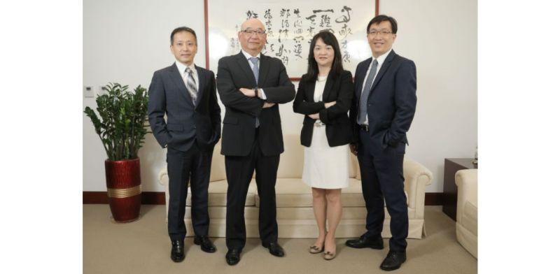 ▲凱基證券總經理方維昌(左二),帶領團隊為高資產客戶提供頂級財管服務。(圖/資料照片)