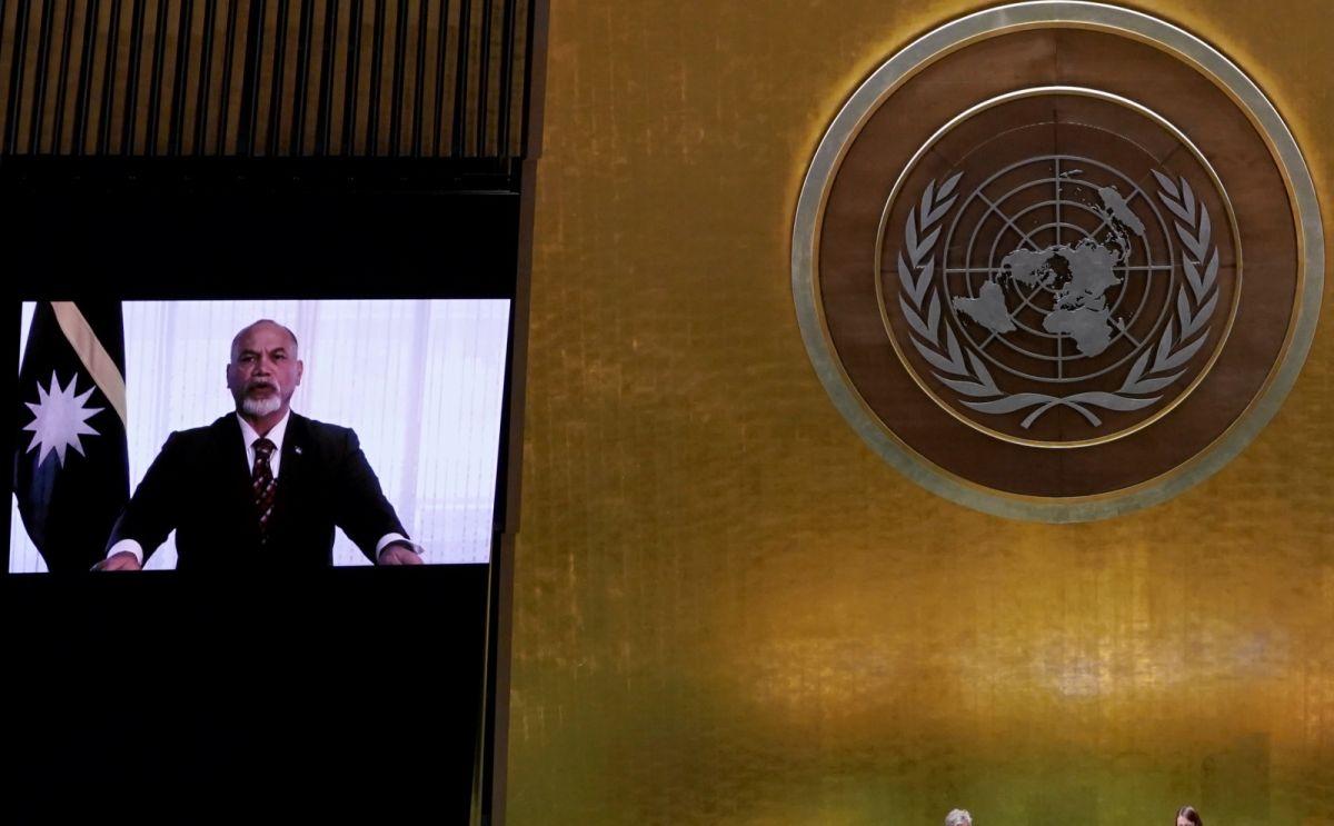 ▲本次聯合國大會總辯論,台灣15友邦中,13國在總辯論發聲支持台灣參與聯合國體系,為4年來最多。圖為諾魯總統安格明在聯大總辯論感謝台灣協助抗疫。(圖/美聯社/達志影像)