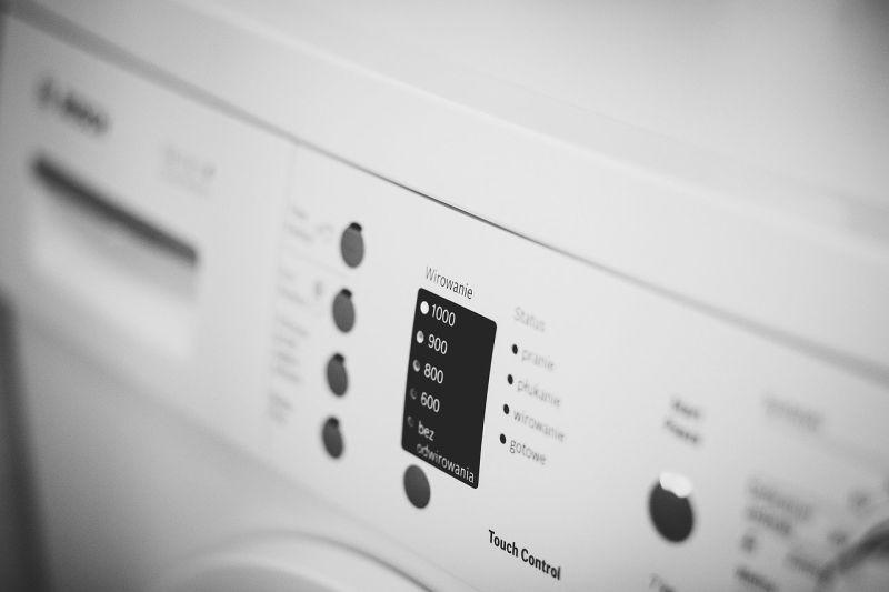 ▲洗衣機突傳出「雨聲」,讓原PO相當崩潰。(示意圖/翻攝自Pixabay)