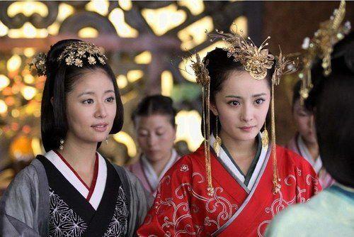 ▲林心如(左)在《美人心計》與楊冪對戲。(圖/翻攝微博)