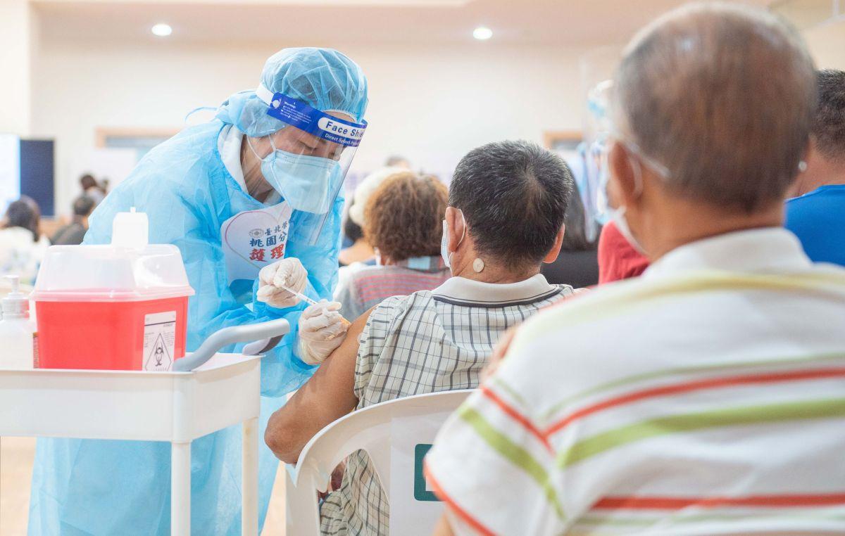 ▲桃園市7月9日前接種第一劑莫德納疫苗,且間隔滿10週以上的75歲(原住民65歲)以上長者,市府安排58處社區接種站於今日開打第二劑。(圖/桃園市政府提供)