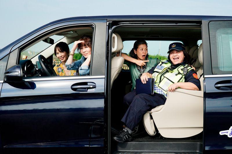 ▲天心(左起)與謝盈萱、于子育、鍾欣凌同台飆戲。(圖/華視、CATCHPLAY提供)