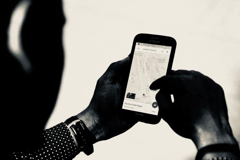 ▲有網友日前使用Google地圖導航,覺得正確率很高,讓他不禁好奇「其他導航系統公司怎麼辦」,貼文一出,掀起熱議。(示意圖/取自unsplash)