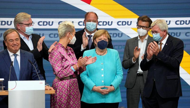 梅克爾陣營得票創歷年新低 德國拚耶誕前組閣