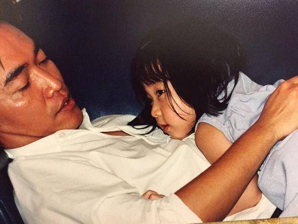 ▲憲哥相當疼愛小女兒Olivia。(圖/吳宗憲臉書)