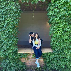 ▲Sandy未婚夫(左)正式亮相。(圖/吳姍儒臉書)
