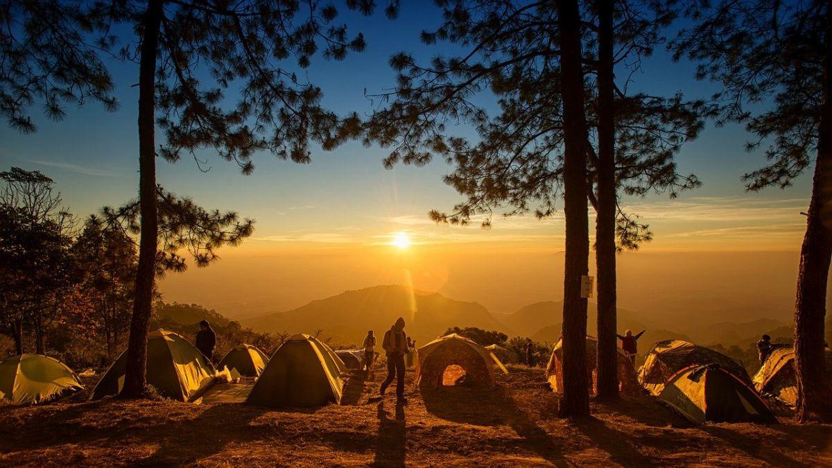 ▲近年來台灣掀起一陣露營風潮,就有網友好奇詢問「為何露營越來越流行了?」而引起眾人點出爆紅關鍵。(示意圖/翻攝pixabay)