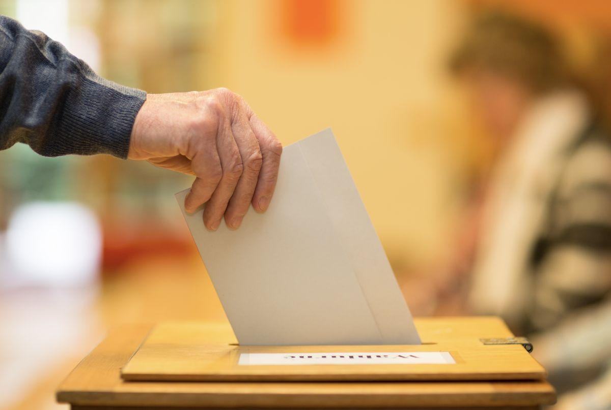 四大公投年底登場!中選會推新住民多語字卡宣導投票流程