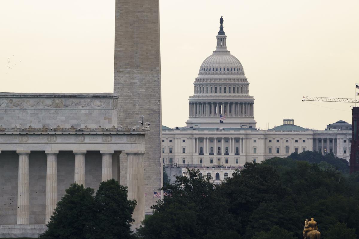 ▲美國聯邦參議院宣布將在明天表決臨時開支法案,避免聯邦政府於短短數小時後斷炊關門。(圖/美聯社/達志影像)