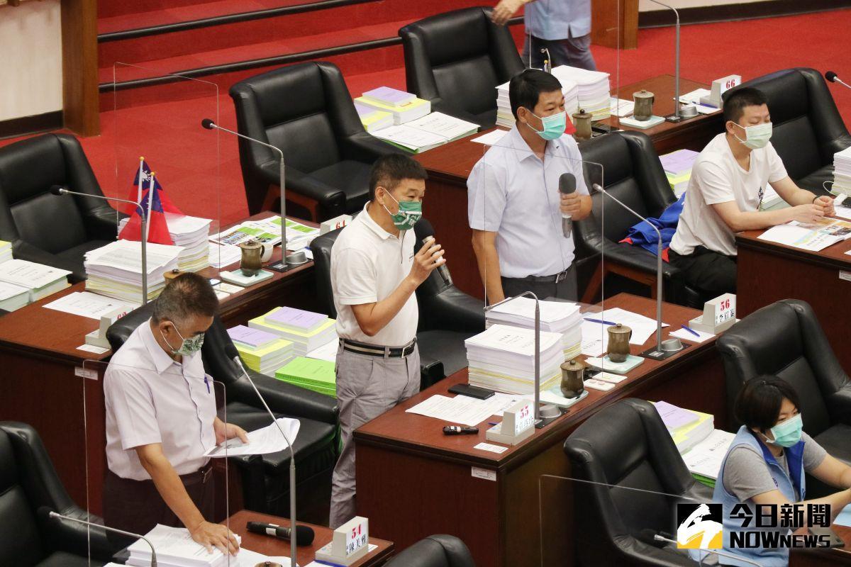 ▲無黨黨團議員認為不受到尊重。(圖/記者鄭婷襄攝,2021.09.30)