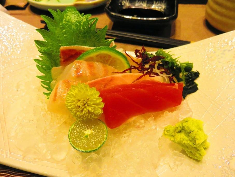 吃生魚片配菊花?專家揭「原因」有關醬油:日本人都不知