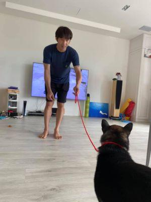 ▲李李仁目前已將對女兒的寄託,轉移到愛犬身上。(圖/陶晶瑩臉書)