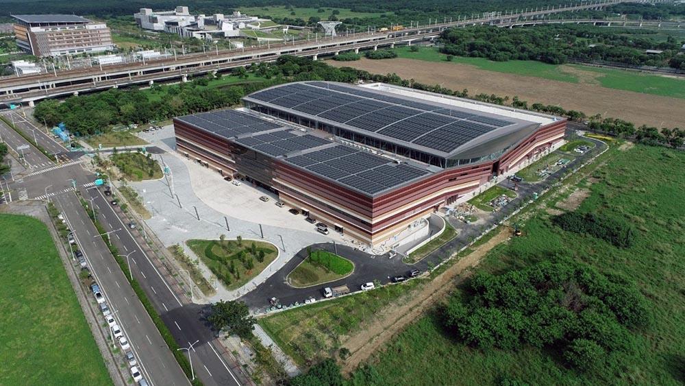 ▲斥資20億完工的大台南會展中心外觀氣派宏偉(圖/台南市工務局提供)