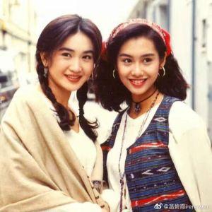 ▲溫碧霞昔日和朱茵合作電影,是香港性感女星。(圖/溫碧霞微博)