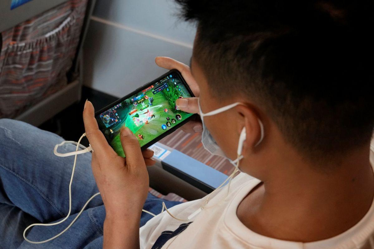 ▲有香港的英語媒體引述消息和官方備忘錄,指中國可能將再縮緊對遊戲內容的審批。示意圖。(圖/美聯社/達志影像)