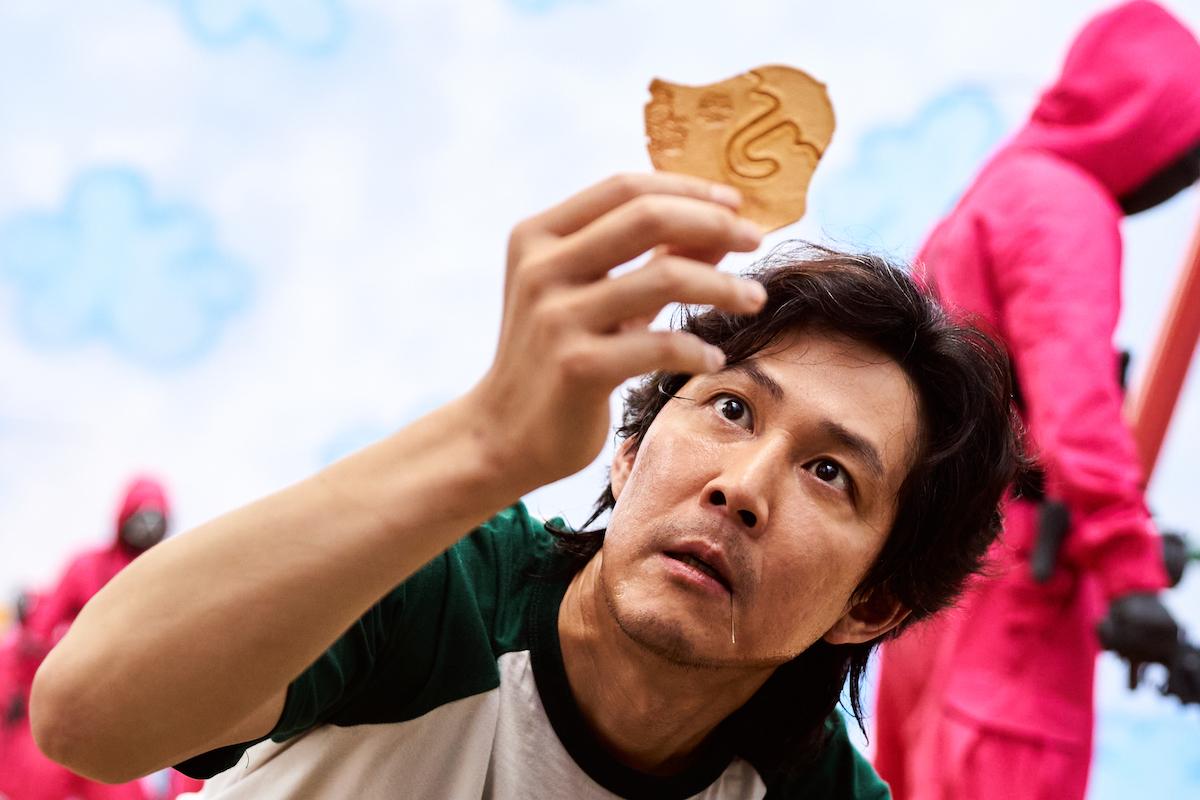 魷魚遊戲紅什麼?英媒:揭韓社會真實面、貸款就像喝咖啡
