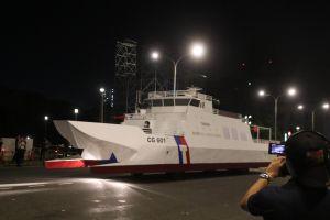 ▲本次海巡署發揮巧思,以陸上行舟的概念展示國艦國造的實績。(圖/作者提供)