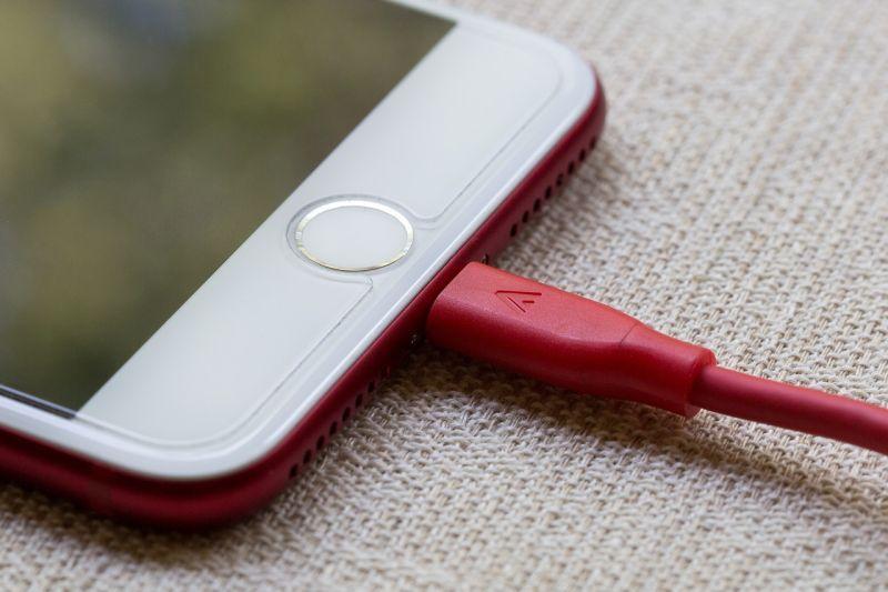 ▲有使用iPhone的人肯定都會知道,當電池消耗到一定程度的時候,就必須要更換電池。(示意圖/pixabay )