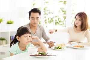 ▲有時吃頓飯就像一場戰爭。(圖/Shutterstock)