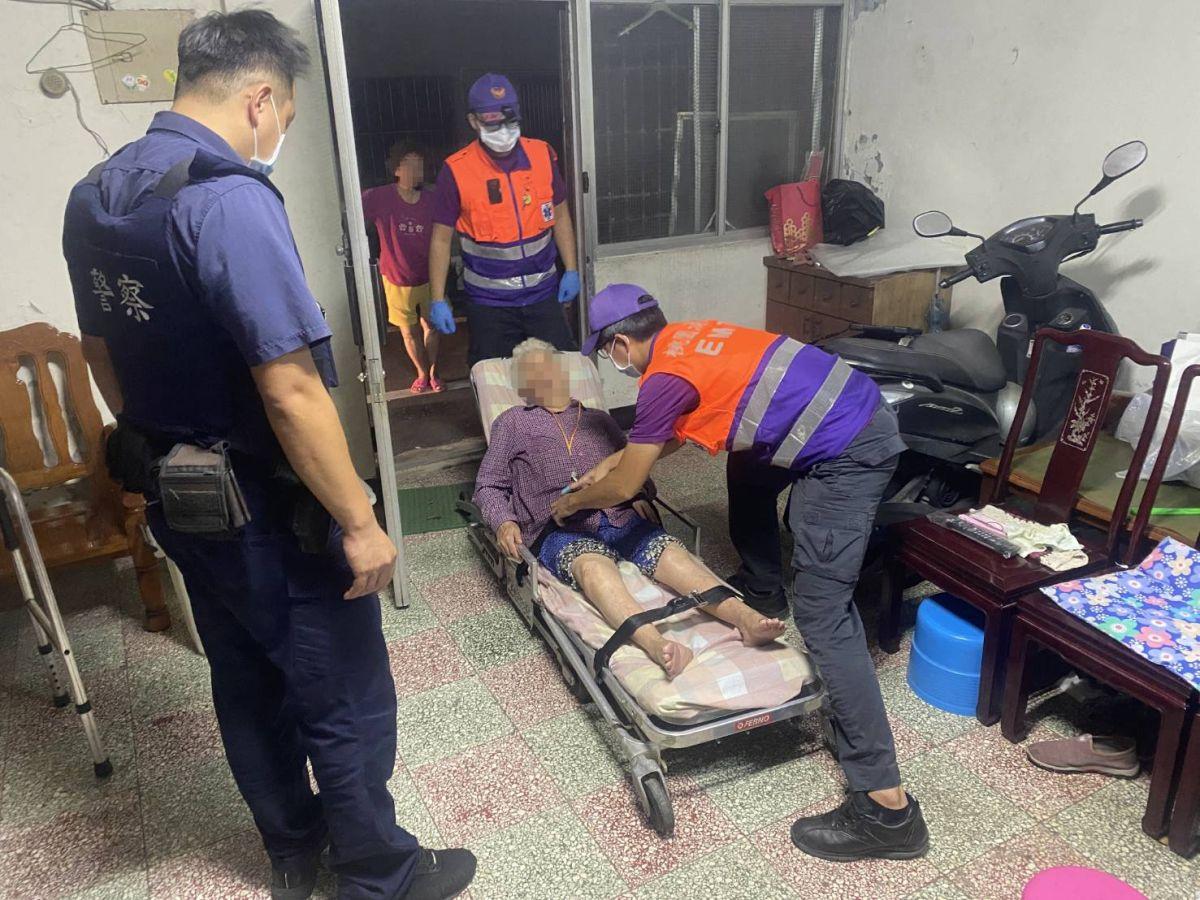 9旬老婦家中跌倒 吹哨求助鄰居報警解鎖救援