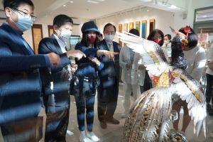▲江蕙現身國立傳統藝術中心的宜蘭傳藝區。(圖/全聯善美的文化藝術基金會提供)