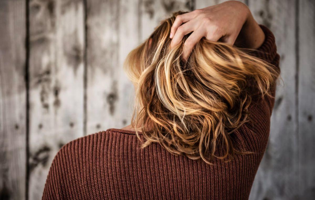 ▲你也有掉髮、頭皮乾癢的困擾嗎?營養師高敏敏就列舉了「頭髮、頭皮的5大狀況」,並提供飲食方針給民眾參考。(示意圖/取自unsplash)