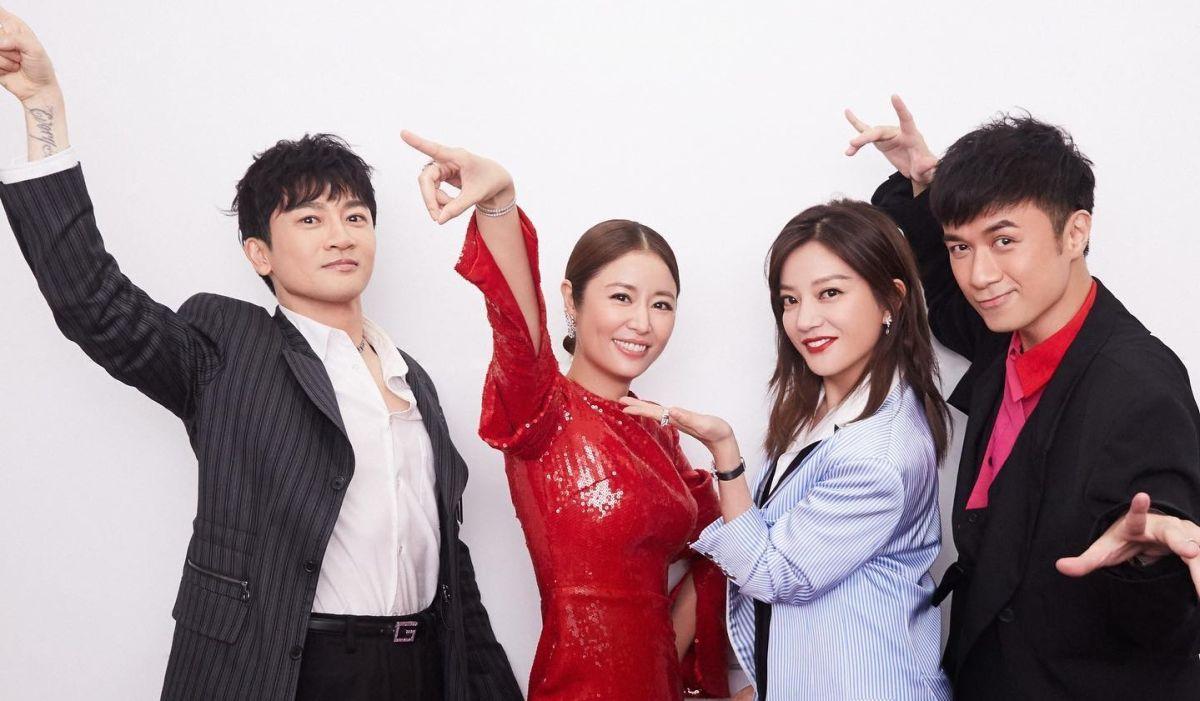 ▲林心如(左2)和趙薇(右2)去年還一起錄製大陸綜藝節目。(圖/林心如FB)